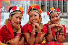 Ensemble Everest Nepal Cultural - Népal - FOLKOLOR 2019